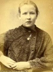 Catherine Kelly, 17 ans. Condamnée à 3 mois de prison pour vol de draps de lit.